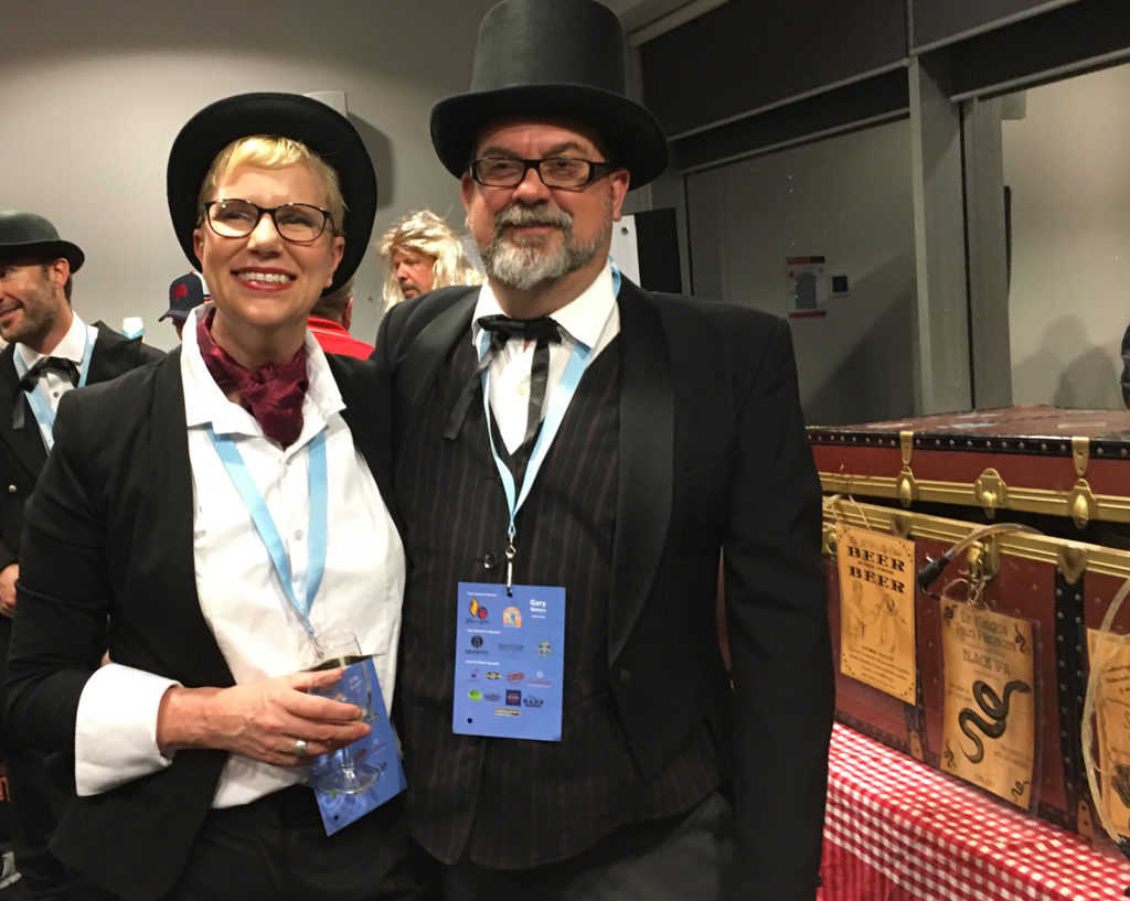 SABC Competitions director Gary Waters with his wife Lee at the 2018 ANHC.